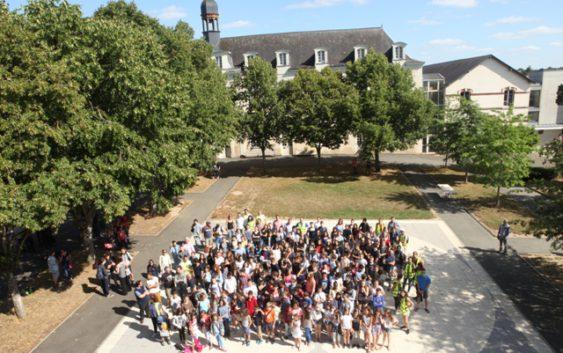 Les stagiaires à l'Académie Internationale d'Été de Château-Gontier